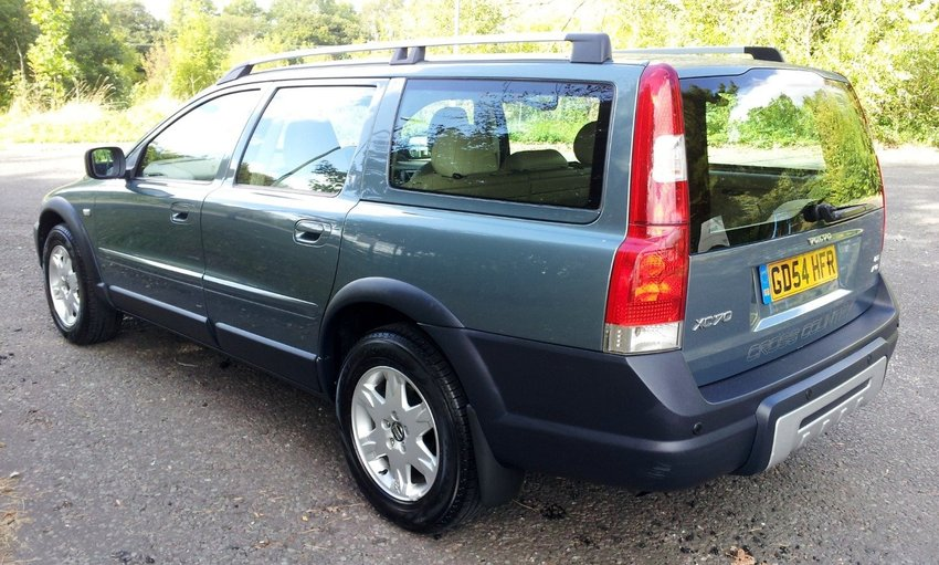 View VOLVO XC70 D5 SE AWD ONE OWNER FSH