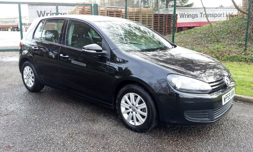View VOLKSWAGEN GOLF 1.6 TDi 90 S One Owner FSH