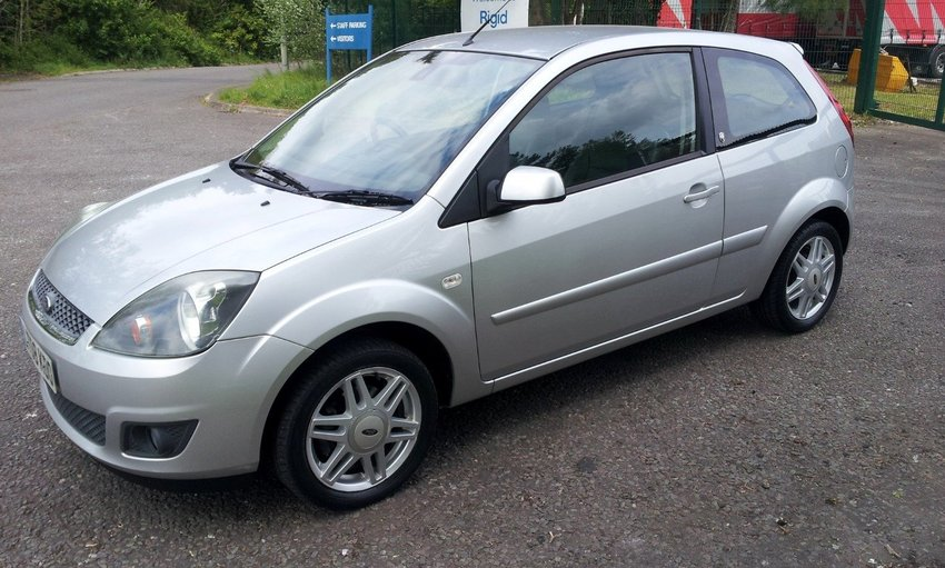 View FORD FIESTA 1.4 Ghia FSH
