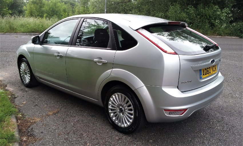 View FORD FOCUS  1.6 Petrol Titanium Service History