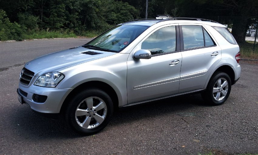 View MERCEDES M CLASS ML280 CDi SE Tiptronic Auto Full Service History