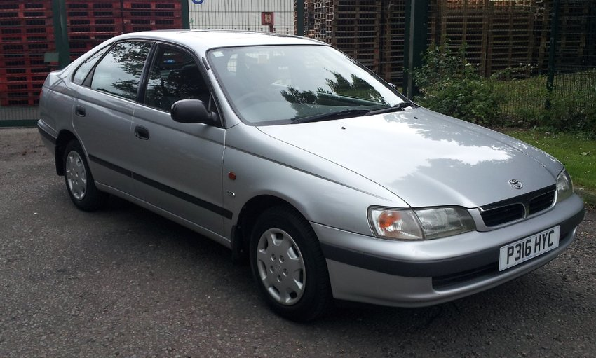 View TOYOTA CARINA  CD E 1.8 5Dr