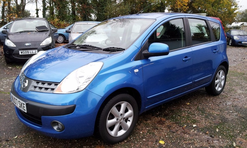 View NISSAN NOTE SE